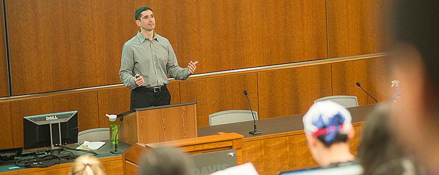 Law professor David Horton talks to his class