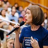 Carolyn Thomas speaks at orientation